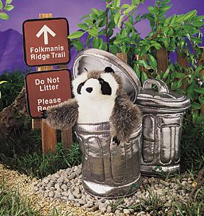 FOLKMANIS רקון בפח האשפה-  2321 raccoon puppet