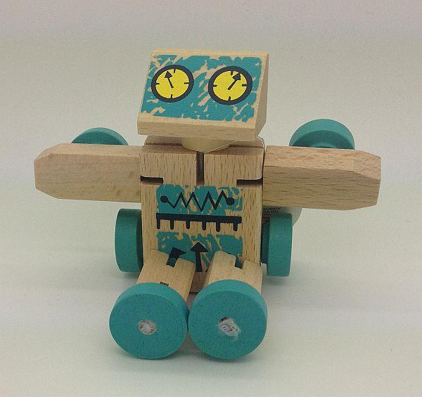 רובוט עץ הנהפך לכלי רכב 1