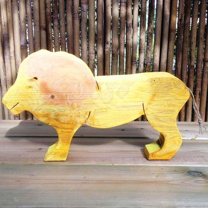 חיות מעץ- צעצועי וולדורוף-אריה 901002- צעצועים אנתרופוסופים