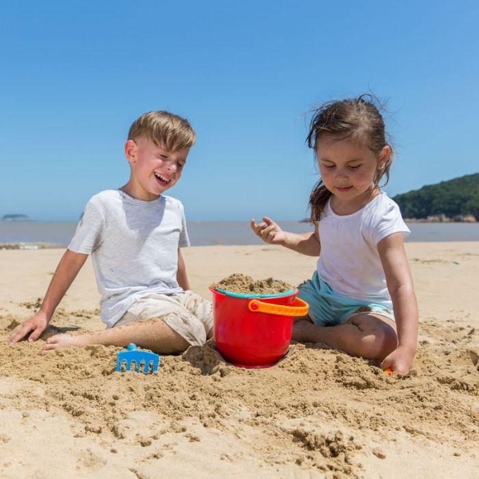 HAPE צעצועים לחוף הים דלי ומגרפה E4051
