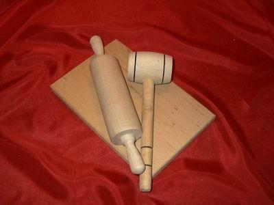 צעצועי עץ/כלי אפיה/ מערוך-קרש חיתוך WOODEN TOYS