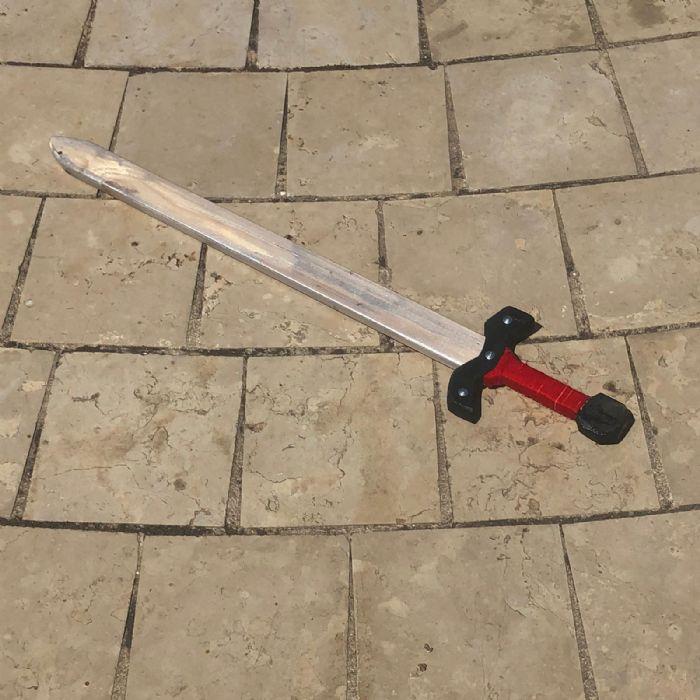 חרב אבירים מעץ H100