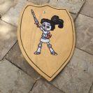 מגן מעץ 'עצמת ילדת הברזל' M1002
