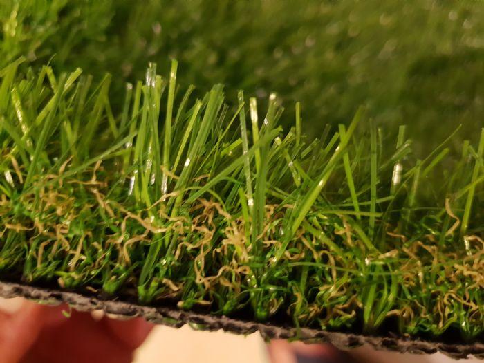 דשא סינטטי רומח