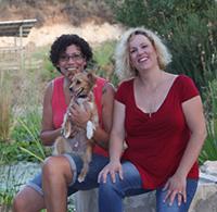 עמית ורונית - מטפלות בעזרת בעלי חיים
