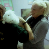 דגנית יערי פסיכולוג, מטפל ומדריך בעזרת בעלי חיים