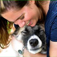 בחיק החיות – לירון קורונה מטפלת בעזרת בעלי חיים