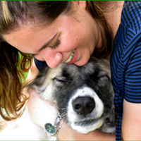 בחיק החיות - לירון קורונה - מטפלת בעזרת בעלי חיים