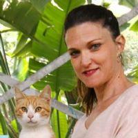 עירית דימניק - מטפלת רגשית בעזרת בעלי חיים