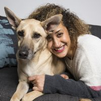 יעל טל - מטפלת רגשית בעזרת כלבים בילדים ונוער