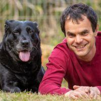 אילן זהר - טיפול בעזרת כלבים לילדים ובני נוער
