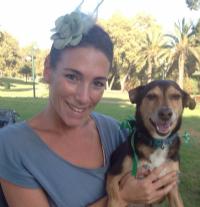 ענבר הלמן – טיפול בעזרת בעלי חיים וכלבנות טיפולית