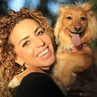 עתליה אלוני - מטפלת רגשית הנעזרת בבעלי חיים