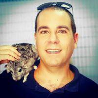 שוקי קרן, מטפל בעזרת בעלי חיים