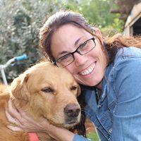 רונה דולב - מטפלת רגשית בעזרת בעלי חיים
