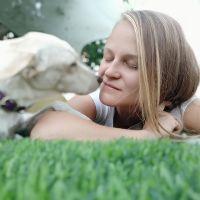 ורוניקה חרמץ - מטפלת רגשית בעזרת כלבים ומאלפת כלבי