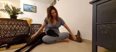 שחר רוסטובסקי - מטפלת בעזרת בעלי חיים