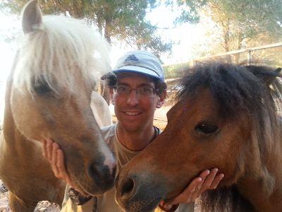 אורי גיטלין - מטפל רגשי בעזרת סוסי פוני