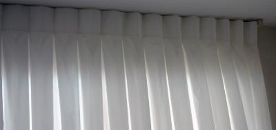 כותרת לוילון קפלים תפירת קונטרה פלד-פלד שטוח הפוך