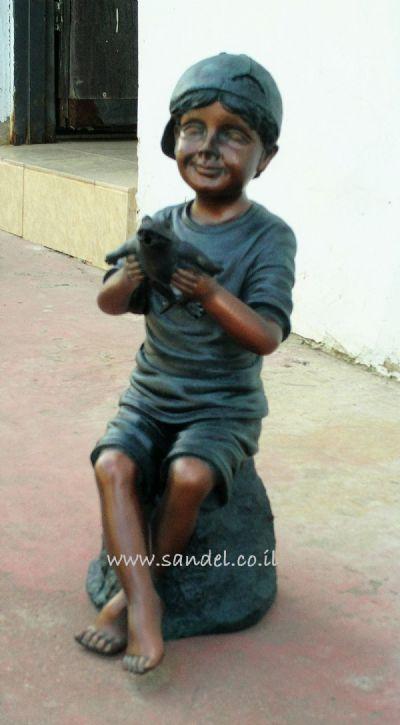 מזרקה ילד עם צפרדע