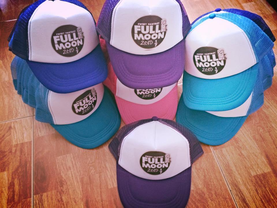 כובעים עם הדפס