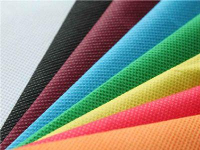 מגוון צבעים של תיקי אלבד