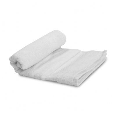 רקמה על מגבת גוף לבנה