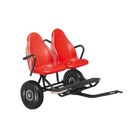 מושב כפול המתחבר למכונית פדלים ברג