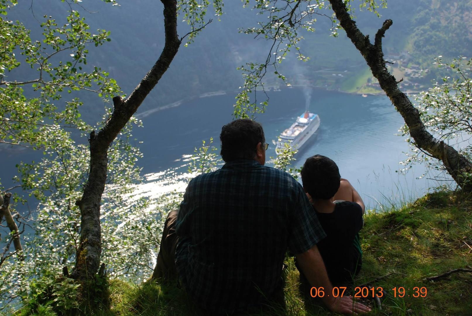 הנופים מנקודת התצפית Løsta