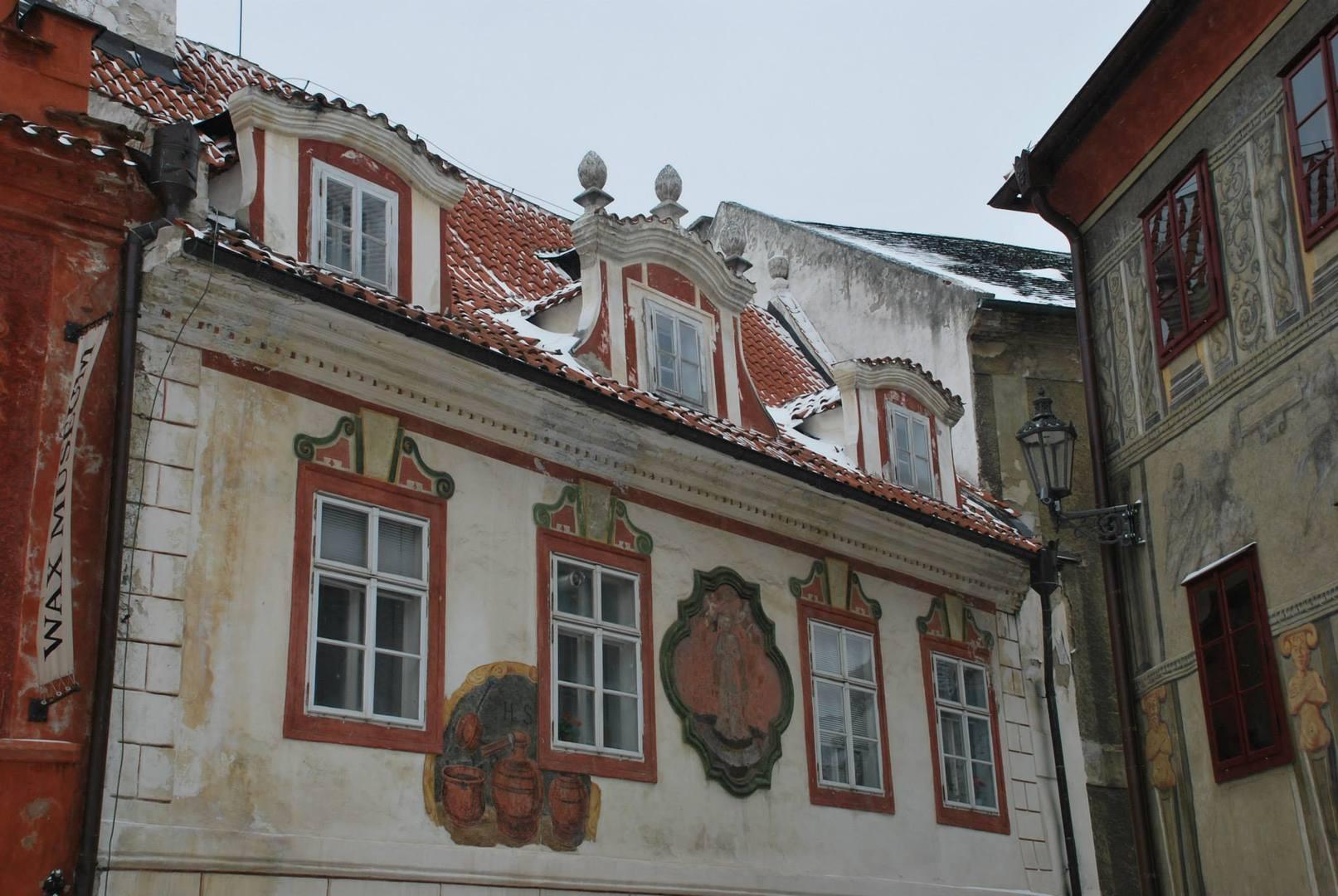 רחובות Cesky Krumlov בשלג