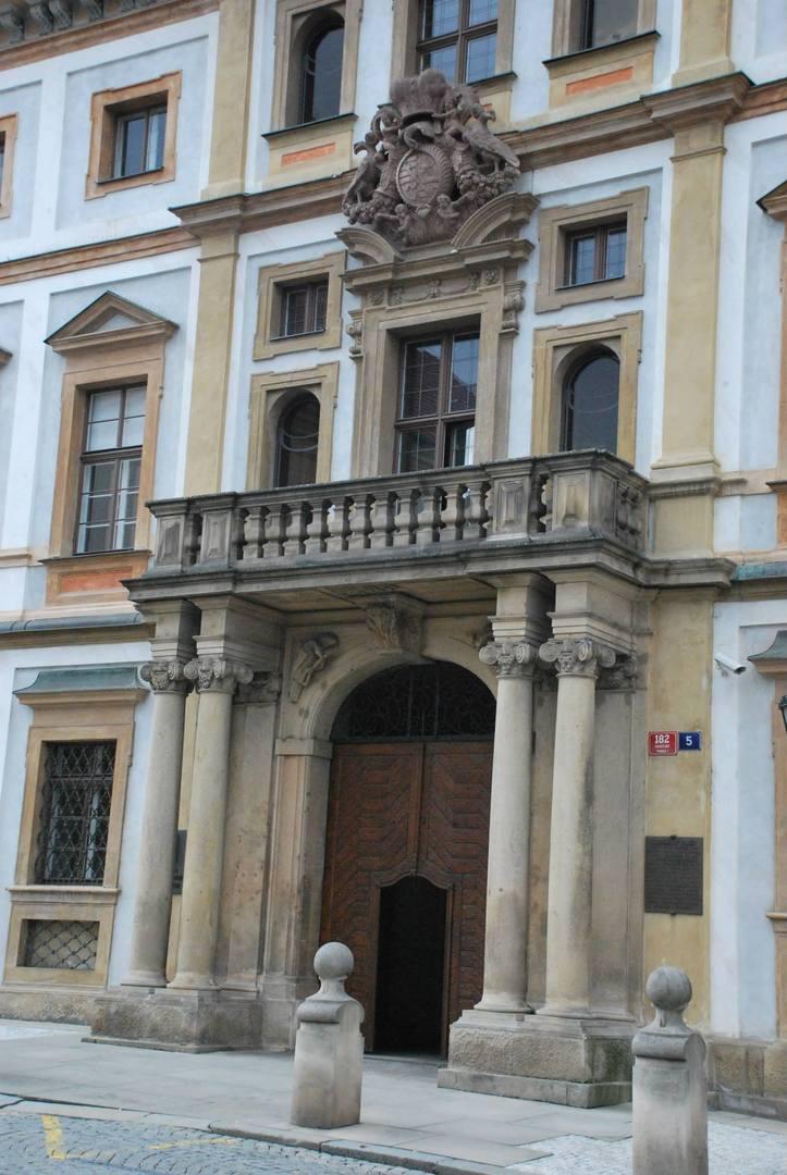 Toskánský palace הינו מבנה בסגנון בארוק