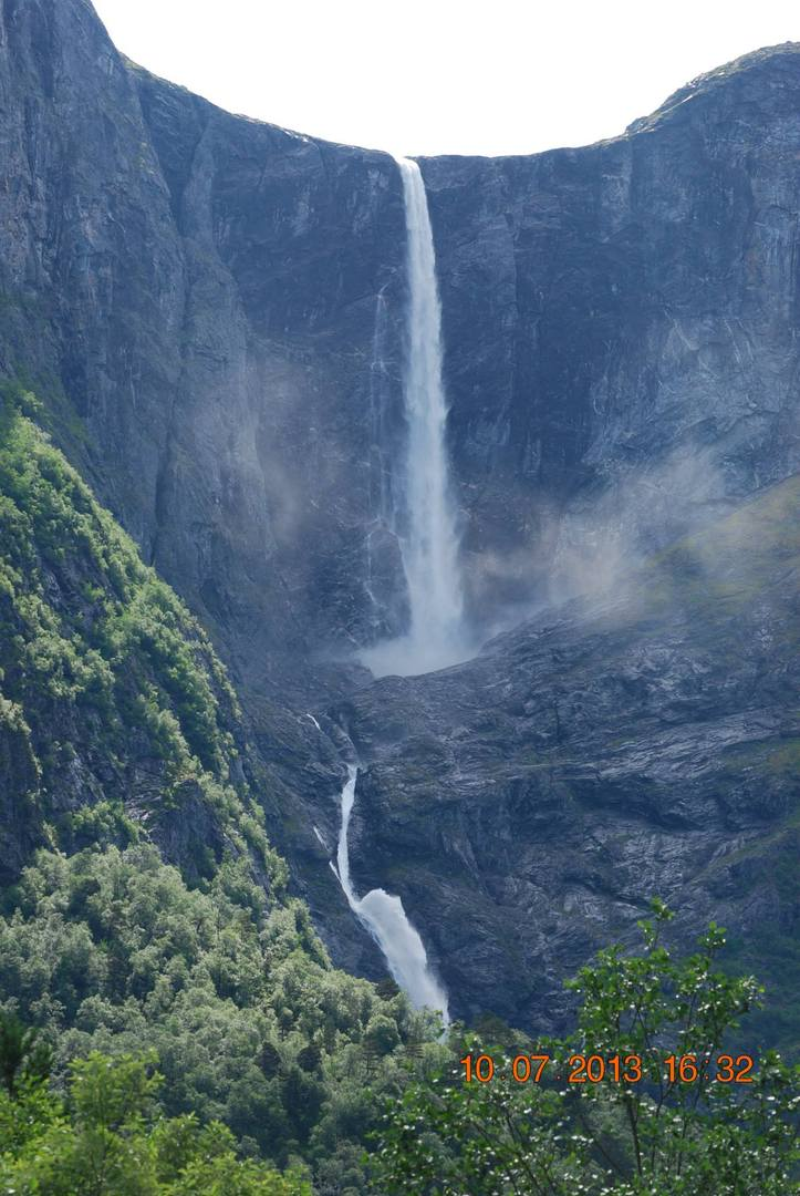 מפל Mardalsfossen-המרהיב והעצום