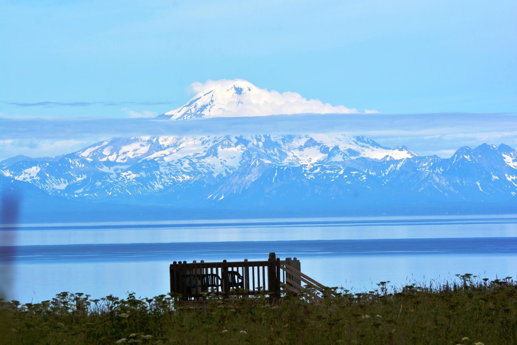 הרי הגעש מעבר למפרץ קלארק