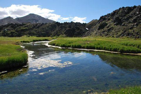 הנחל היוצא משמורת Landmannalaugar