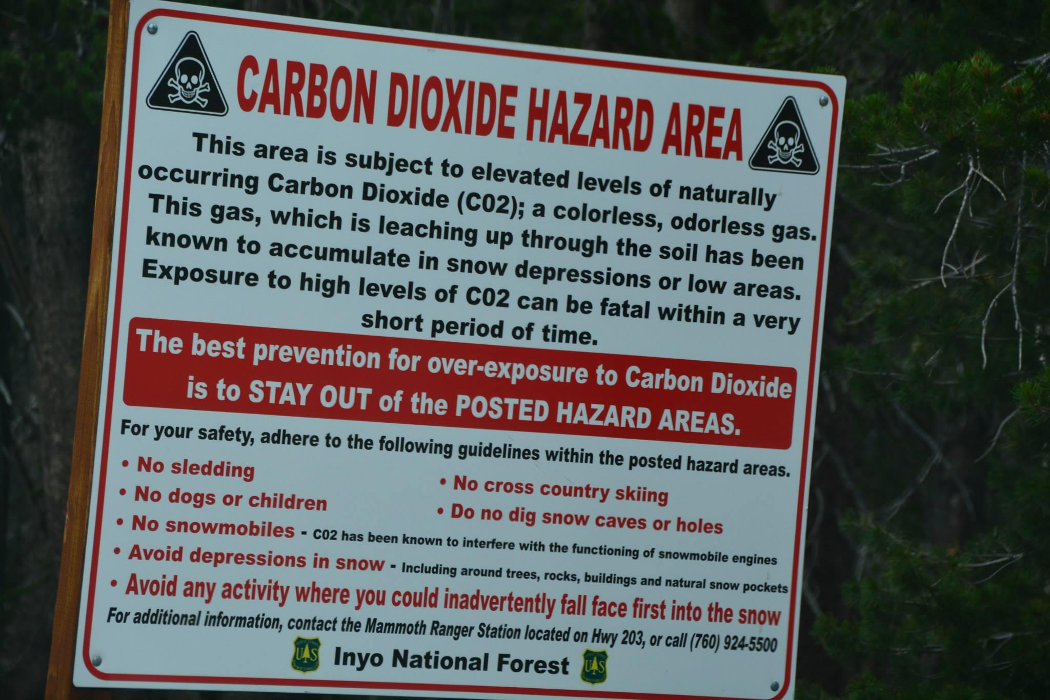 שלטי אזהרה מאוד בולטים אשר מזהירים אתכם מפני חשיפה
