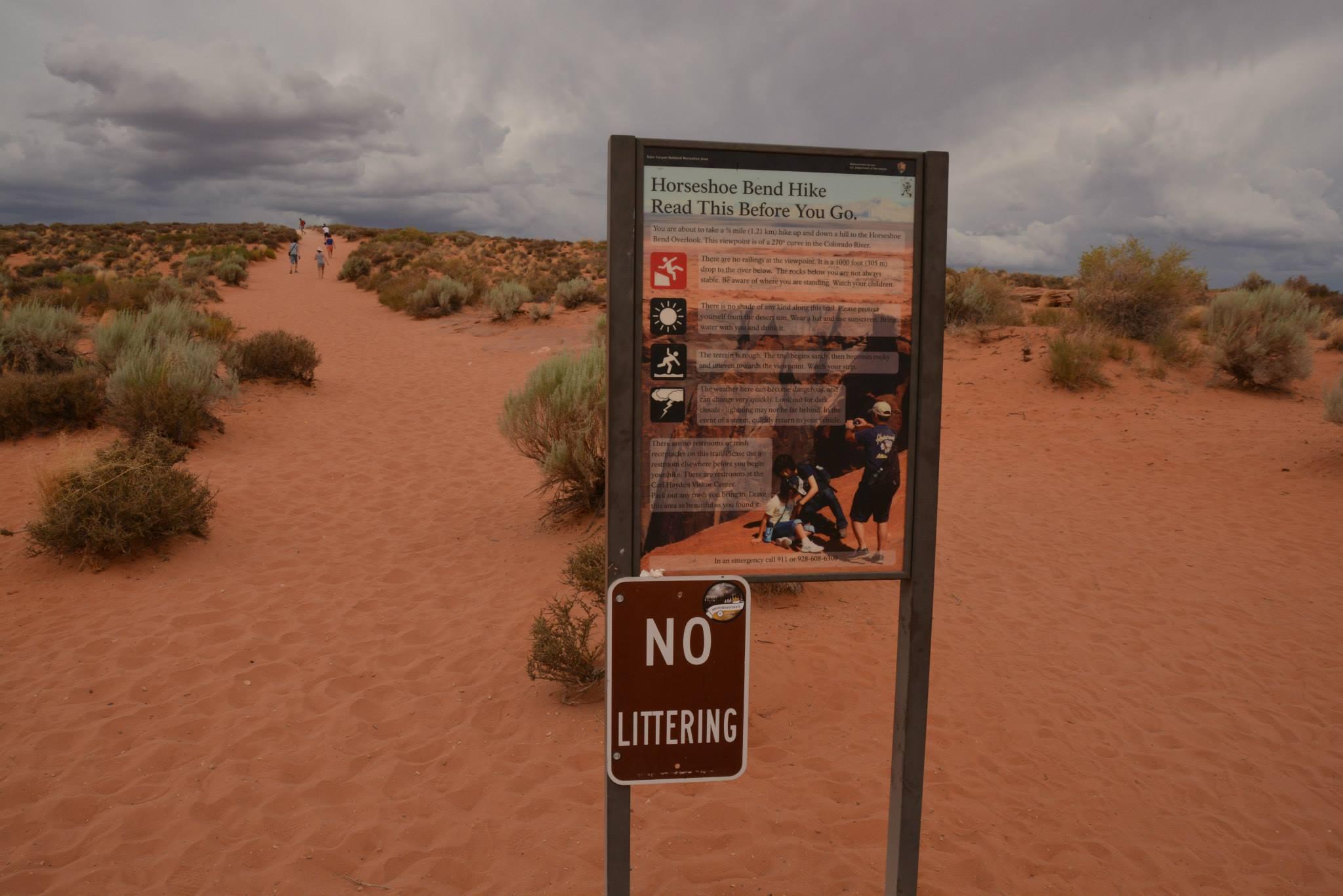 שלט אזהרה בתחילת המסלול לפרסת הסוס