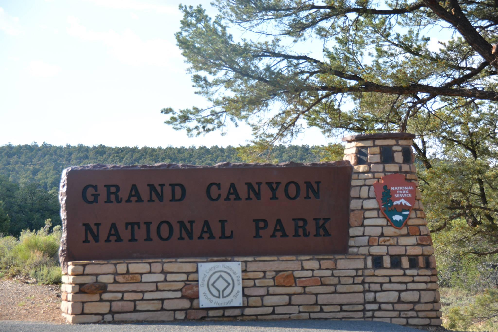 שלט הכניסה לגרנד קניון