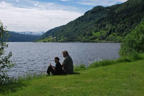 אגם Oppheimsvatnet היפה