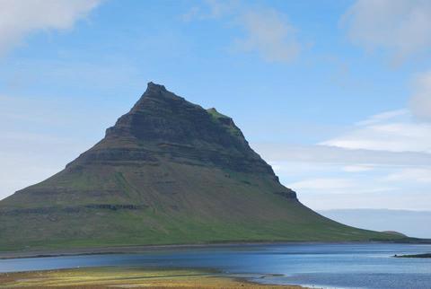 הר הכנסייה בשל צורתן