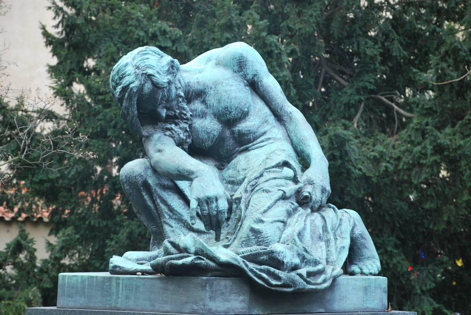 פסל של משה העשוי ברונזה