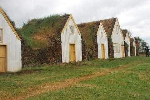 מוזיאון בתי הדשא