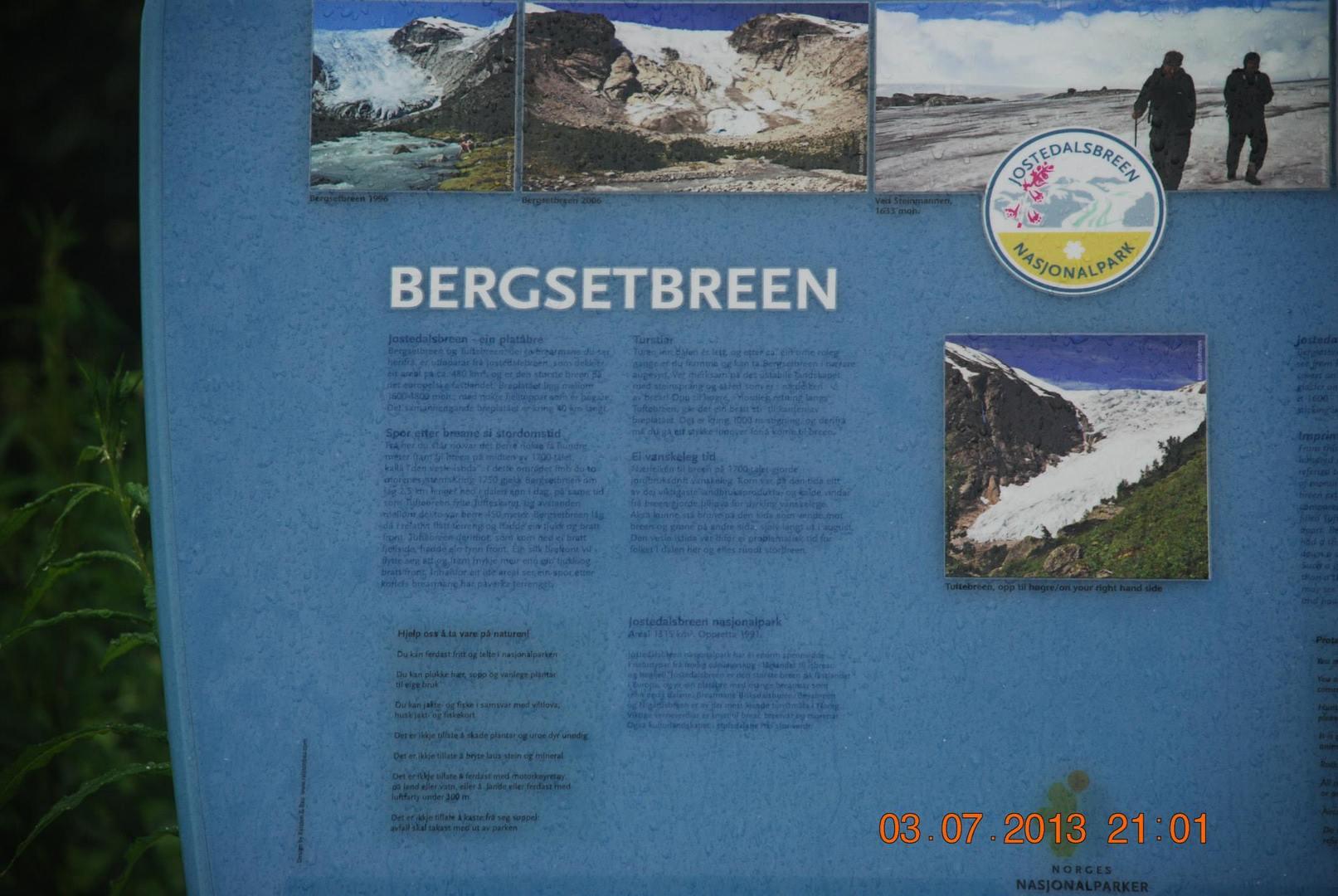 שילוט עם אינפורמציה על קרחון Bergsetbreen