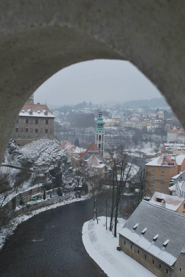 Český Krumlov גגות העיר המושלגים