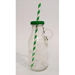 בקבוק זכוכית עם מכסה ירוק