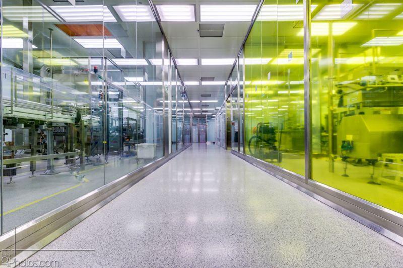"""יציקת טראצו אנטי סטטי – בחדרים נקיים במפעל """"טבע"""""""