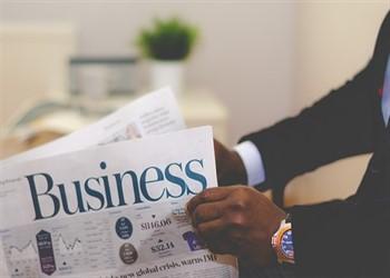 מחפש הלוואות לעסקים דרך העיתון