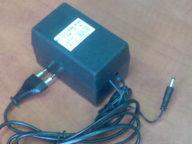"""מטען לקורקינט חשמלי 36V 1.5A פלג 5.5*2.5 מ""""מ"""