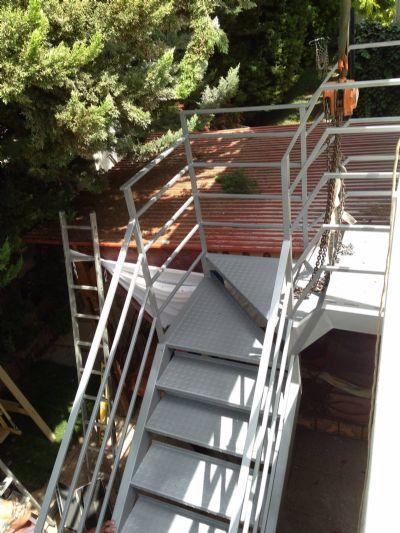 מדרגות ברזל ומתכת
