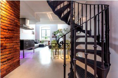 מדרגות מעוצבות לבית פרטי