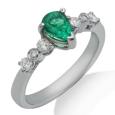 טבעת אבן חן אגס יהלום ברקת סוליטר וזהב לבן